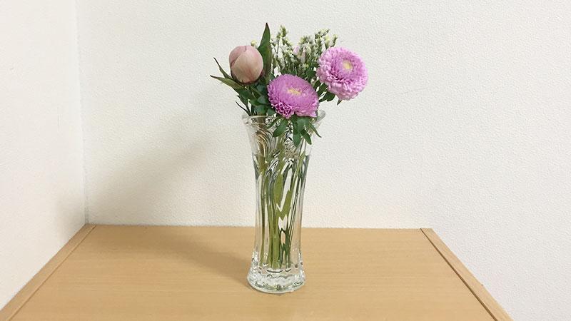 花瓶に飾ります